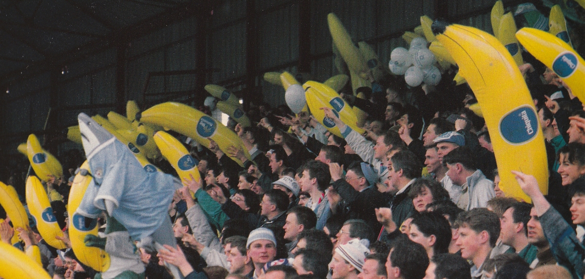 The inflatable bananas craze