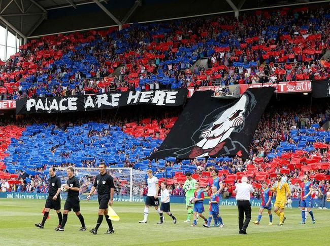 Crystal-Palace-Tottenham-Fans-Crystal-Palace_full_diapos_large