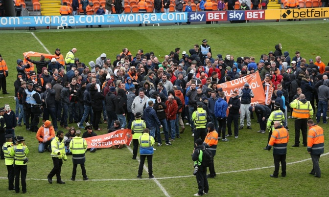 blackpool pitch invasion protest 2may15