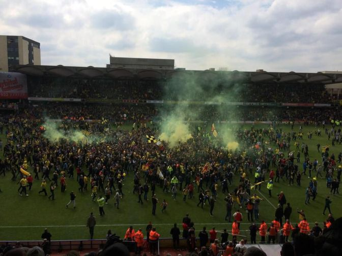 watford pitch invasion 2may15