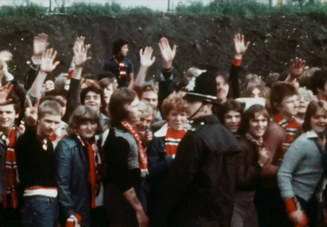 man united fans elland road 1976(1)