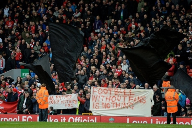 Liverpool fans 77min walkout4
