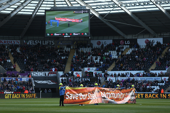 during the Barclays Premier League match between Swansea City and Chelsea at the Liberty Stadium on April 9, 2016 in Swansea, Wales.